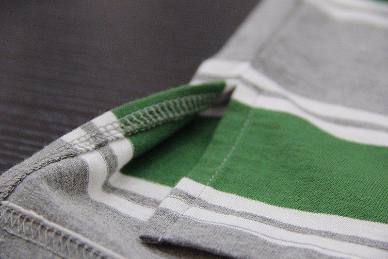 Quality Cotton Lycra Jersey Striped Man′s Polo Shirt of V-Neck