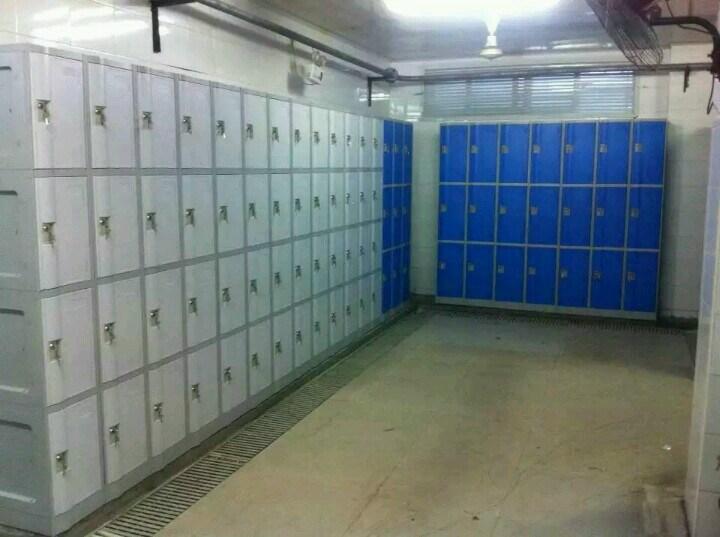 4 Doors Locker