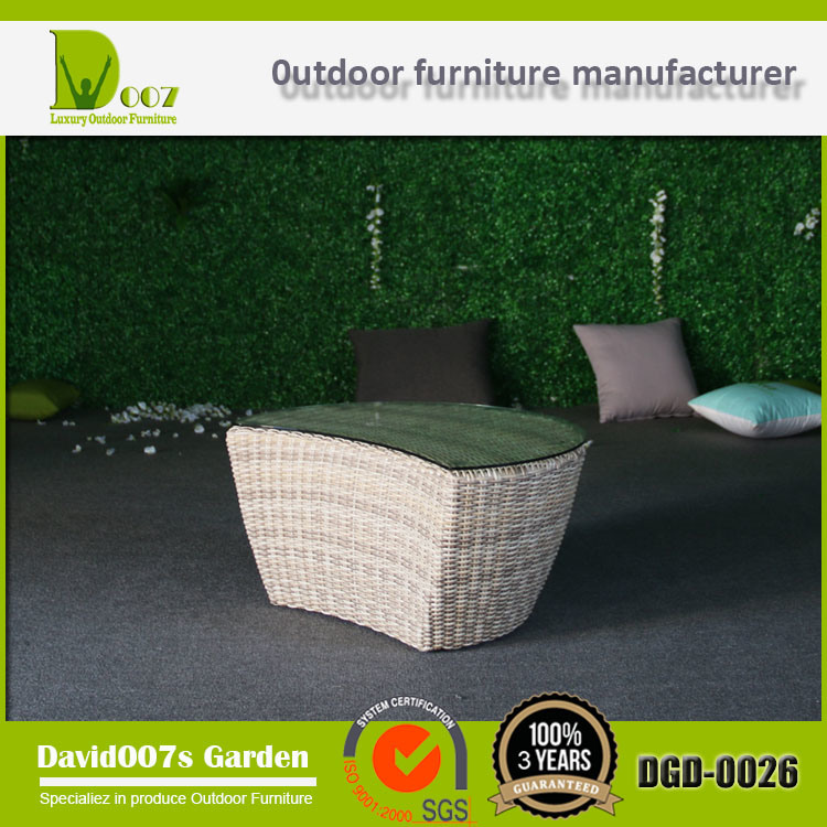Wilson and Fisher Garden Furniture Outdoor Daybed with Canopy