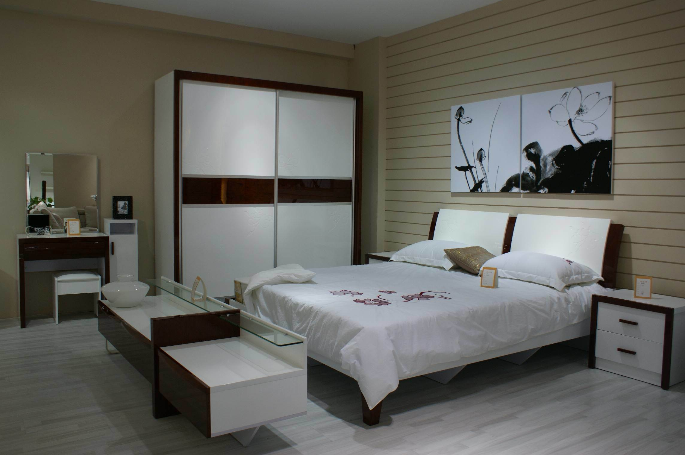 Great Solid Wood Bedroom Furniture Sets 2288 x 1520 · 247 kB · jpeg