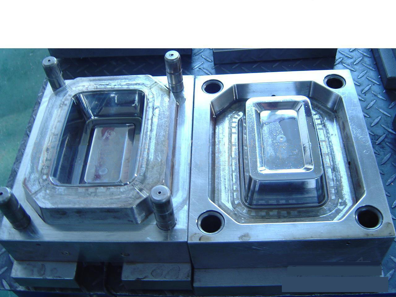 Plastic Box Mould (PBM-010)