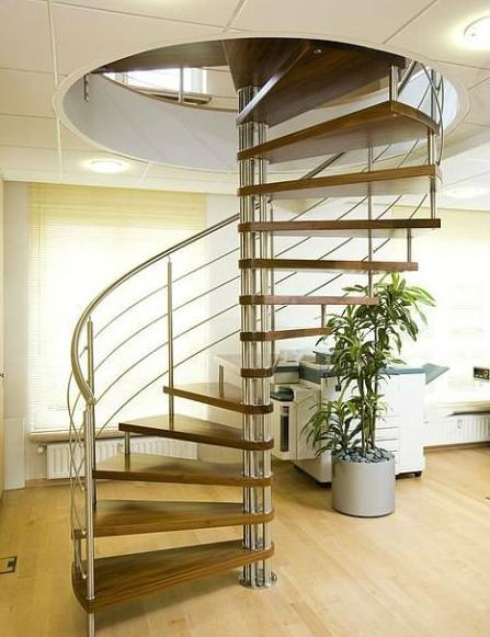Prefabricated Spiral Metal Staircase with Solid Wood Tread