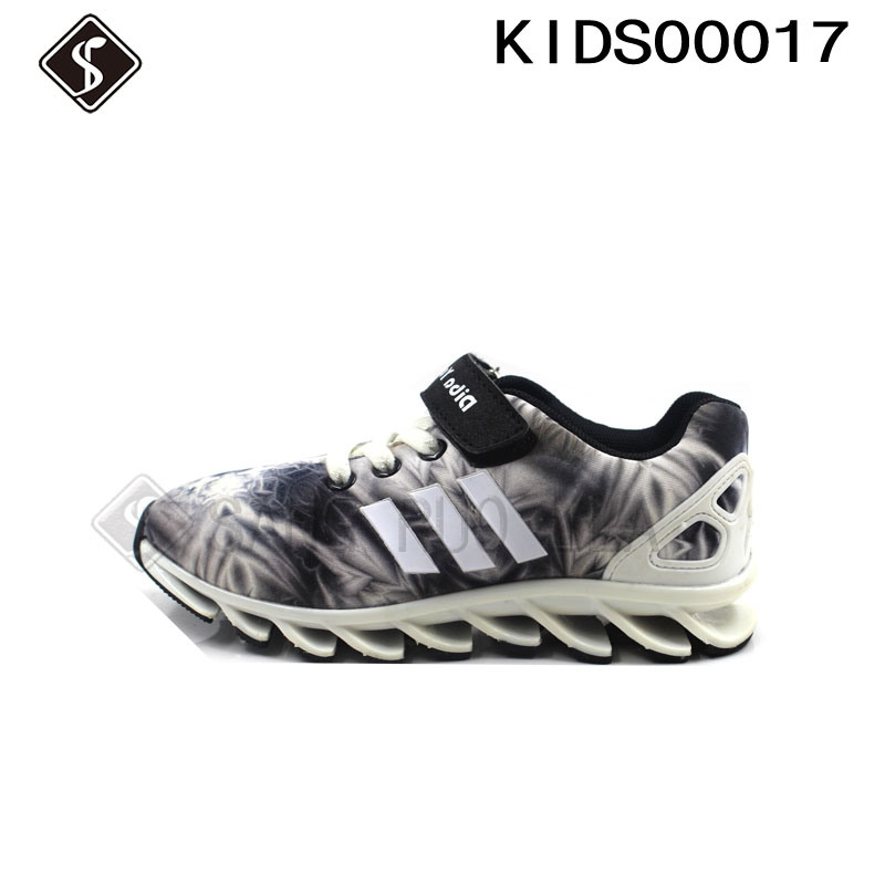 Children Sports Running Shoes with Good Quality Knives Outsole