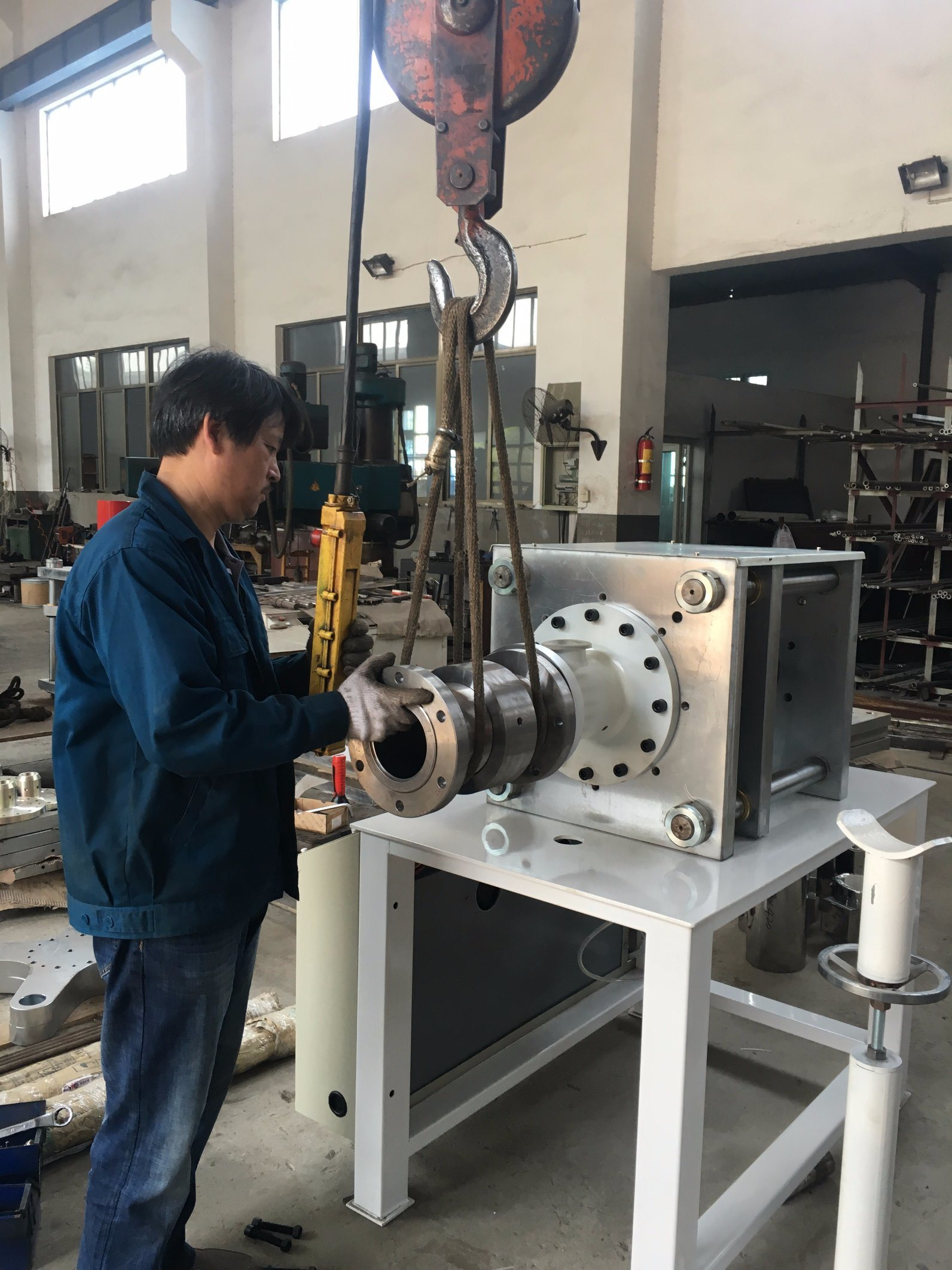 Horizontal RAM Extrusion Machine for Teflon Rod