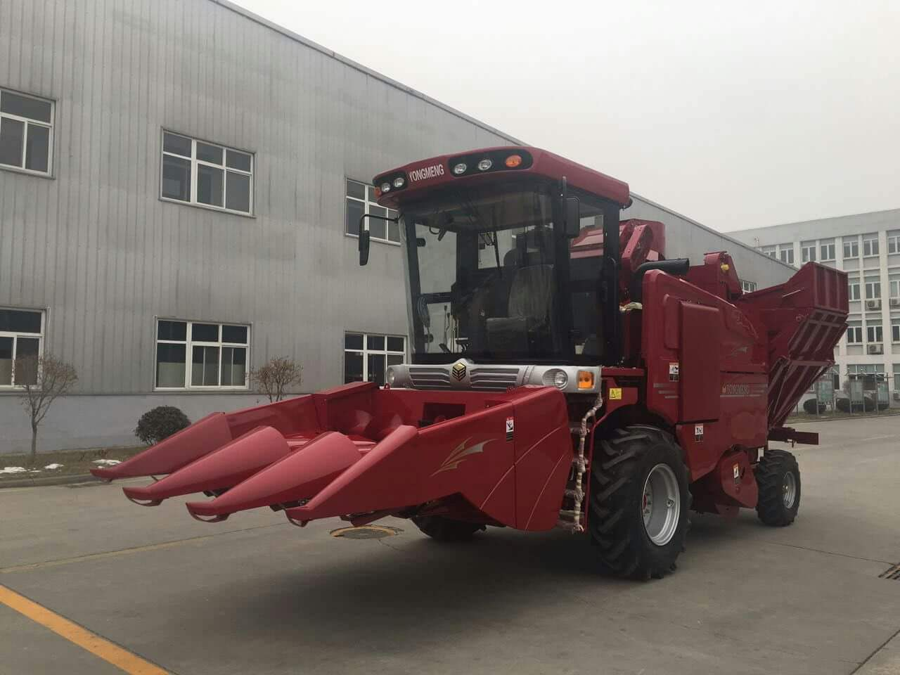 Four Rows Corn Combine Harvester Corn Harvester