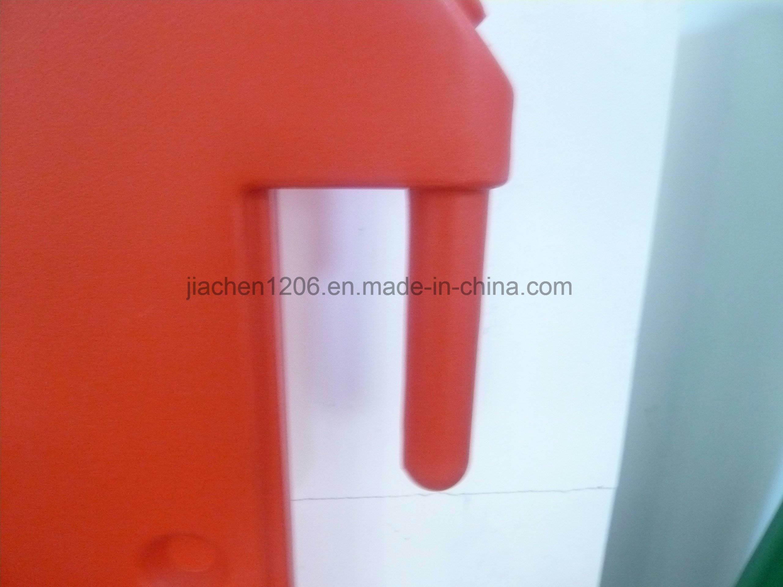 Interlocking Superior Quality Traffic Safety Plastic Traffic Barricade for Sale