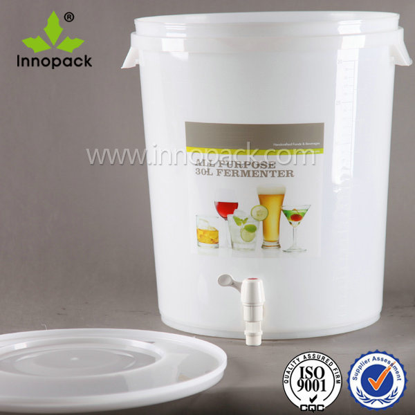 Top Quality 30L Plastic Beer Keg /Used Wine Barrels with Spigot and Airlock Made in China