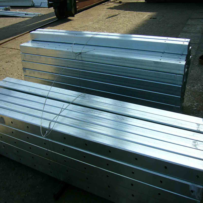 Rectangular Hot DIP Galvanized Steel Hollow Section with Cross Shaft