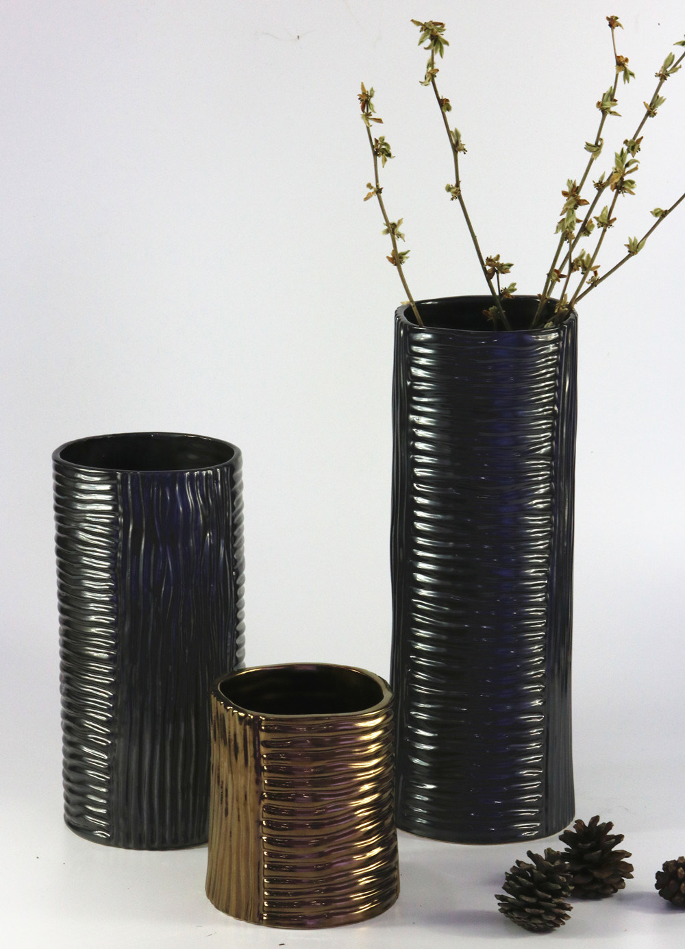 Straight Type Glazed Fashion Ceramic Handicrafts