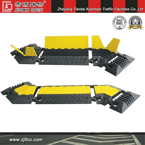 Industrial Rubber Car Speed Safety Cabling Protectors & Traffic Calming Devices for Corner (CC-B13)