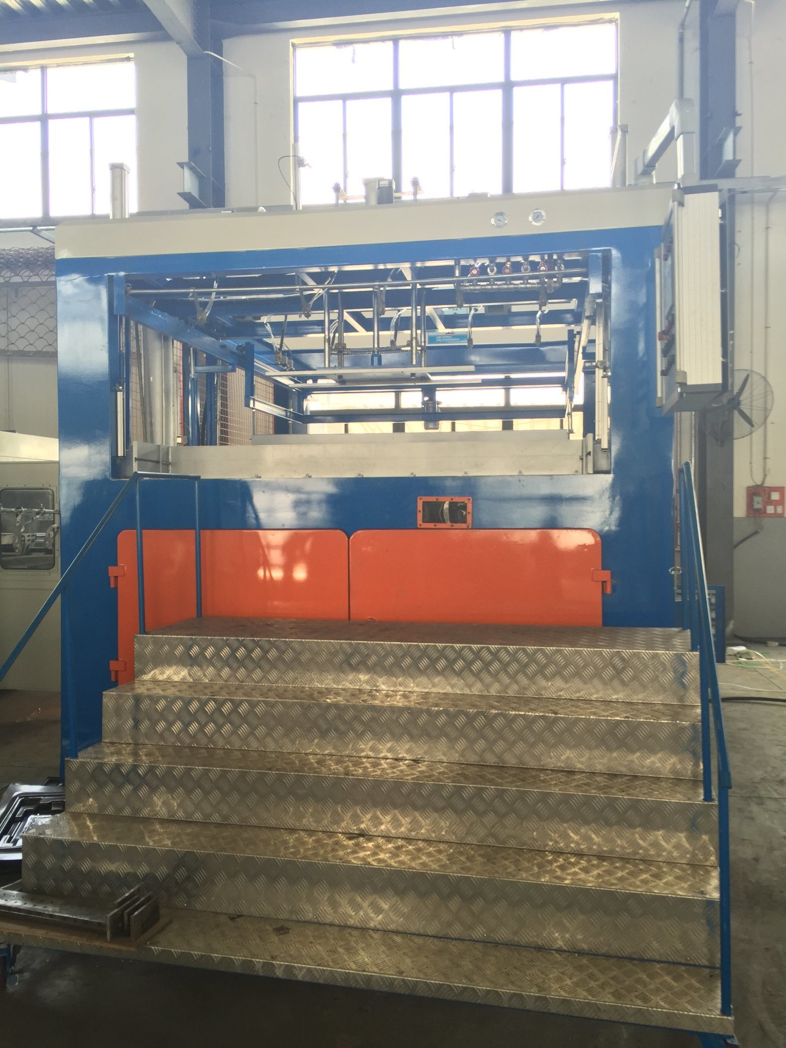 Automatic Thick Sheet Plastic Vacuum Thermoforming Machine