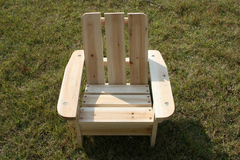 Mobiliario para ni os de madera natural de color los for Silla madera ninos