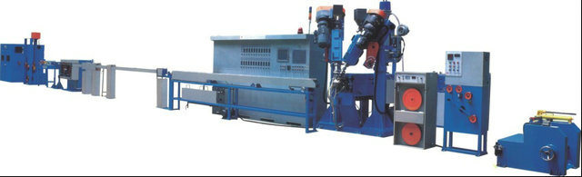 Ce/ ISO9001 / 7 Patents Approved Cable Extruder Chemical Foaming Extrusion Line