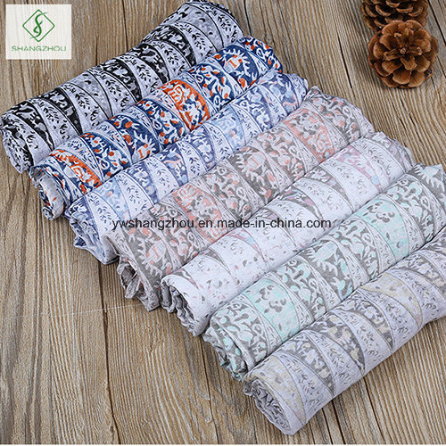 2017 New Design Geometric Printed Viscose Shawl Fashion Lady Scarf Factory
