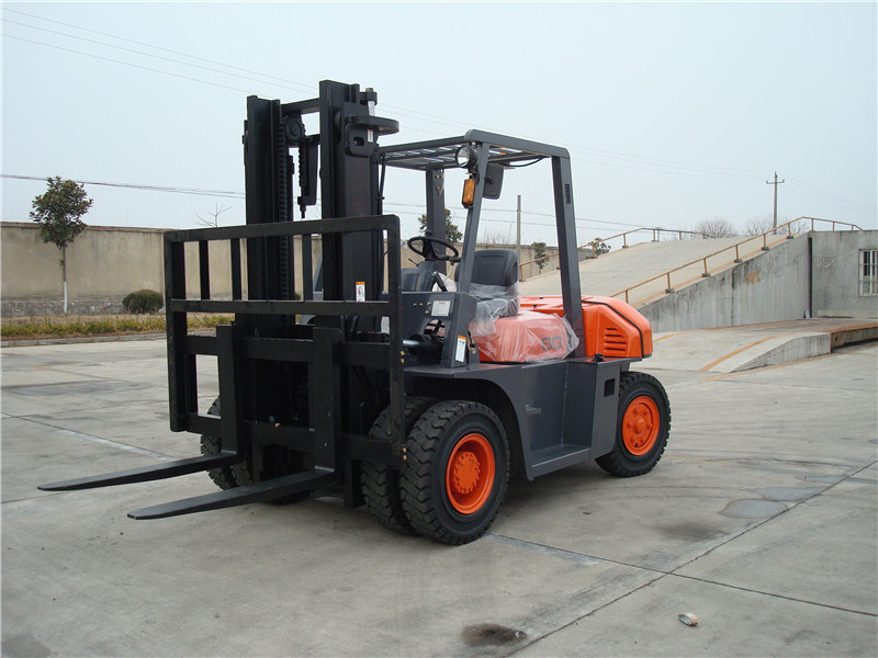 6t China Isuzu Diesel Engine with Ce Certificate Forklift Truck