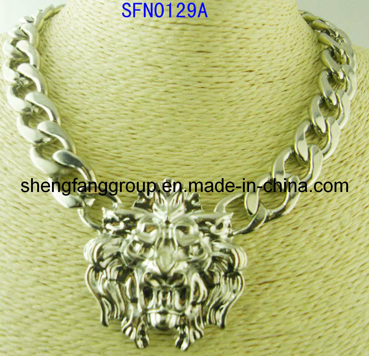 Fashion Jewelry Round Alloy with Lion Head Design Pendant Necklace (SFN0248A, SFN0129A)