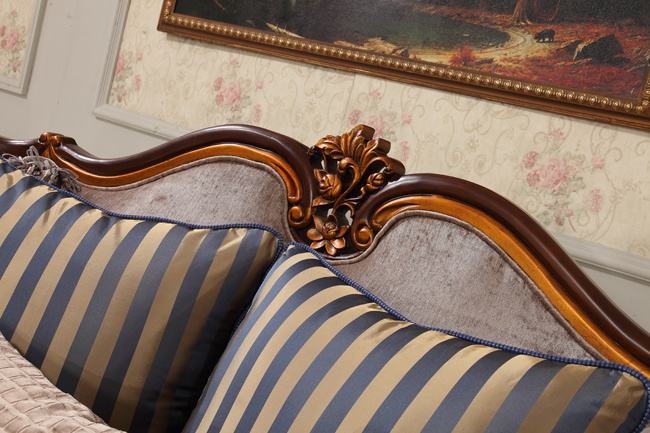 Classical Fabric Sofa Set with Antique Wood Frame for Home
