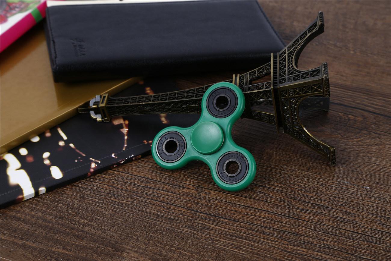 Nice Design, Tri Fidget Hand Spinner Toy with Nano Stainless Steel Bearings Finger Spinner