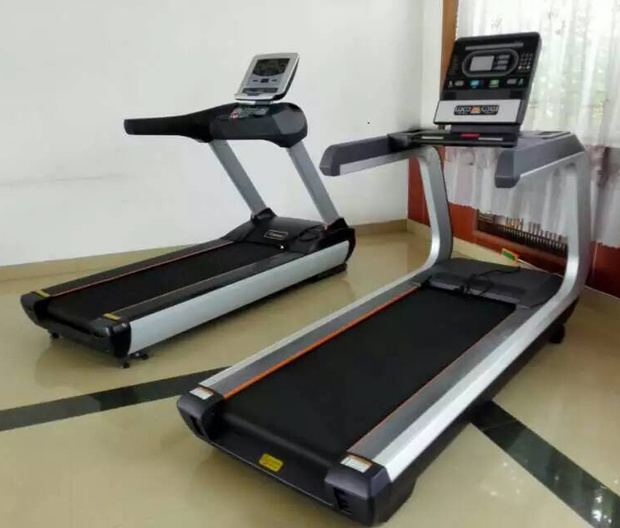 2016 Newest Commercial Treadmill (SK-600)
