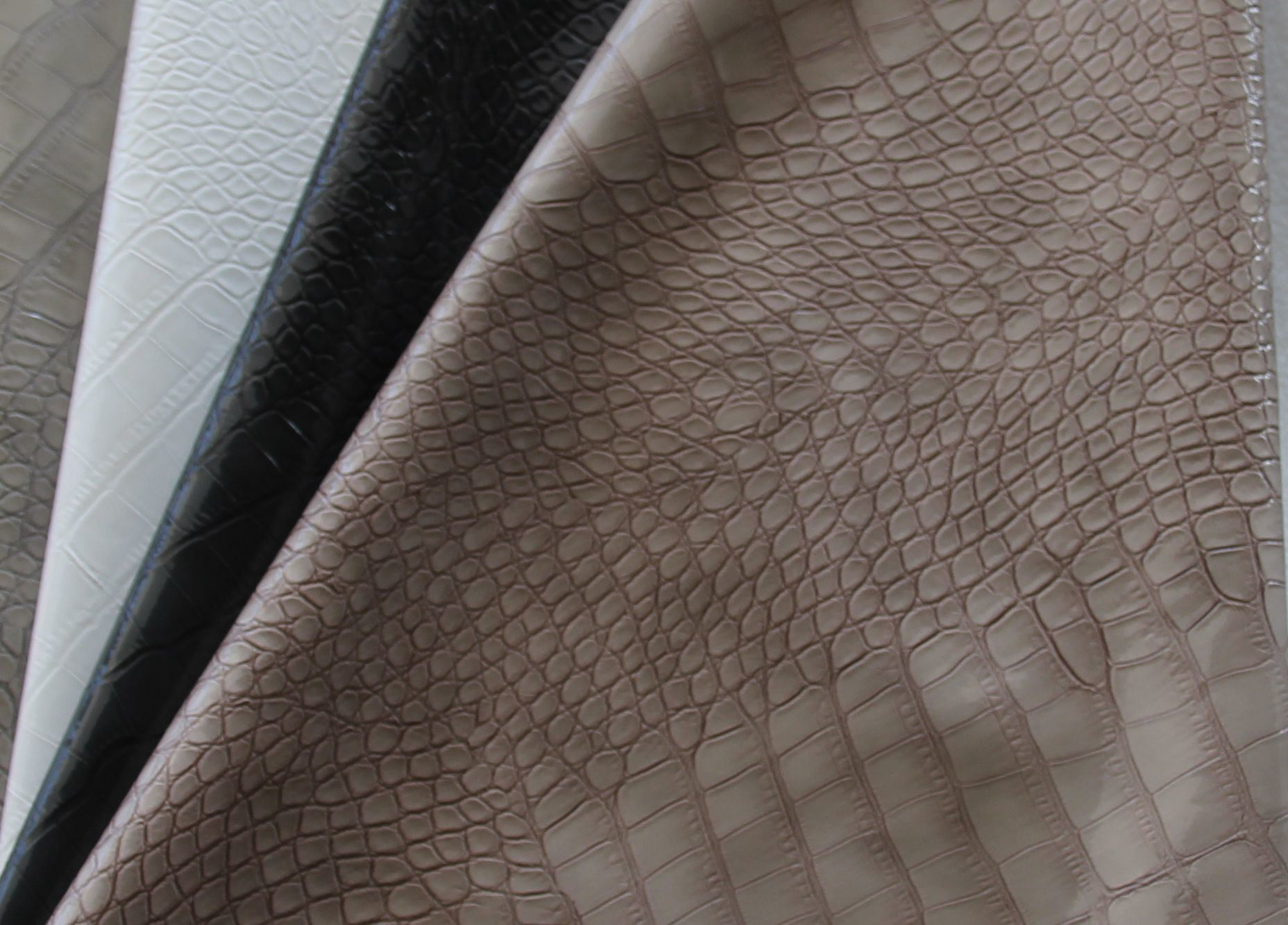 China crocodile embossed skin pu leather for bag h1161 for What is faux leather to real leather