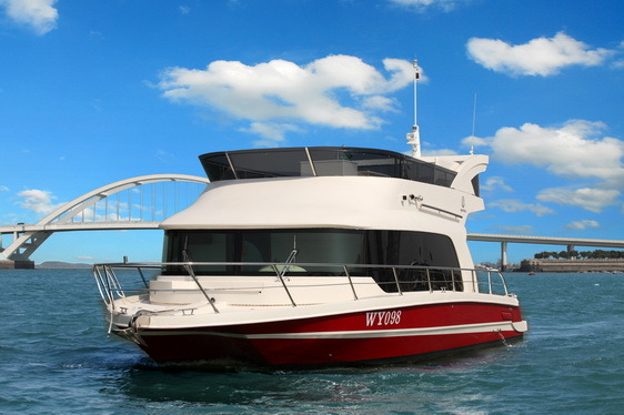Seastella 38′ Luxury Houseboat Yacht with Flybridge