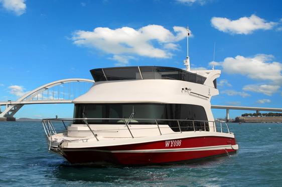 Seastella 38′ Luxury Houseboat Yacht with Flybridge