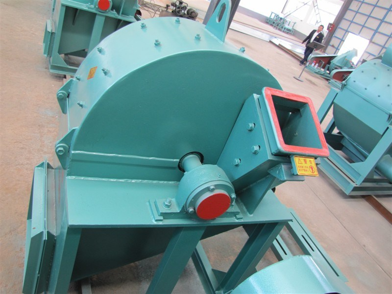 High Efficiency Wood Sawdust Machine with Ce
