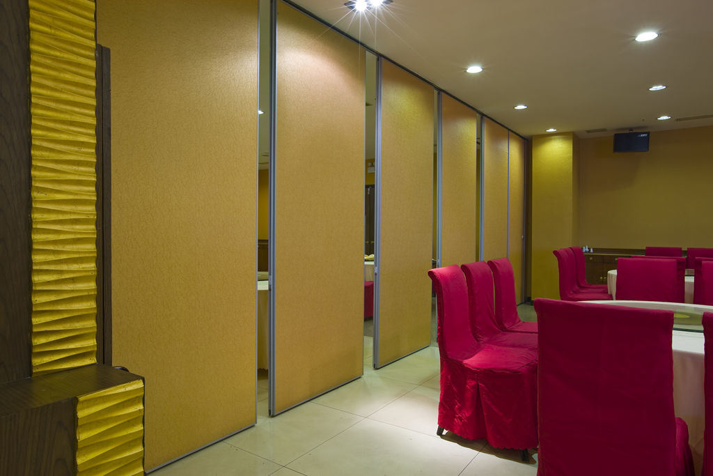 Moveable Partition Walls for Office/Conference Hall
