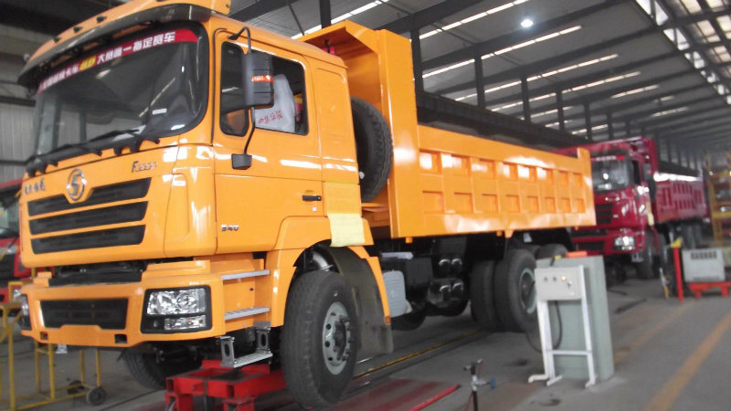 ISO CCC Approved 4 Axle 8X4 Dump Truck for Sale