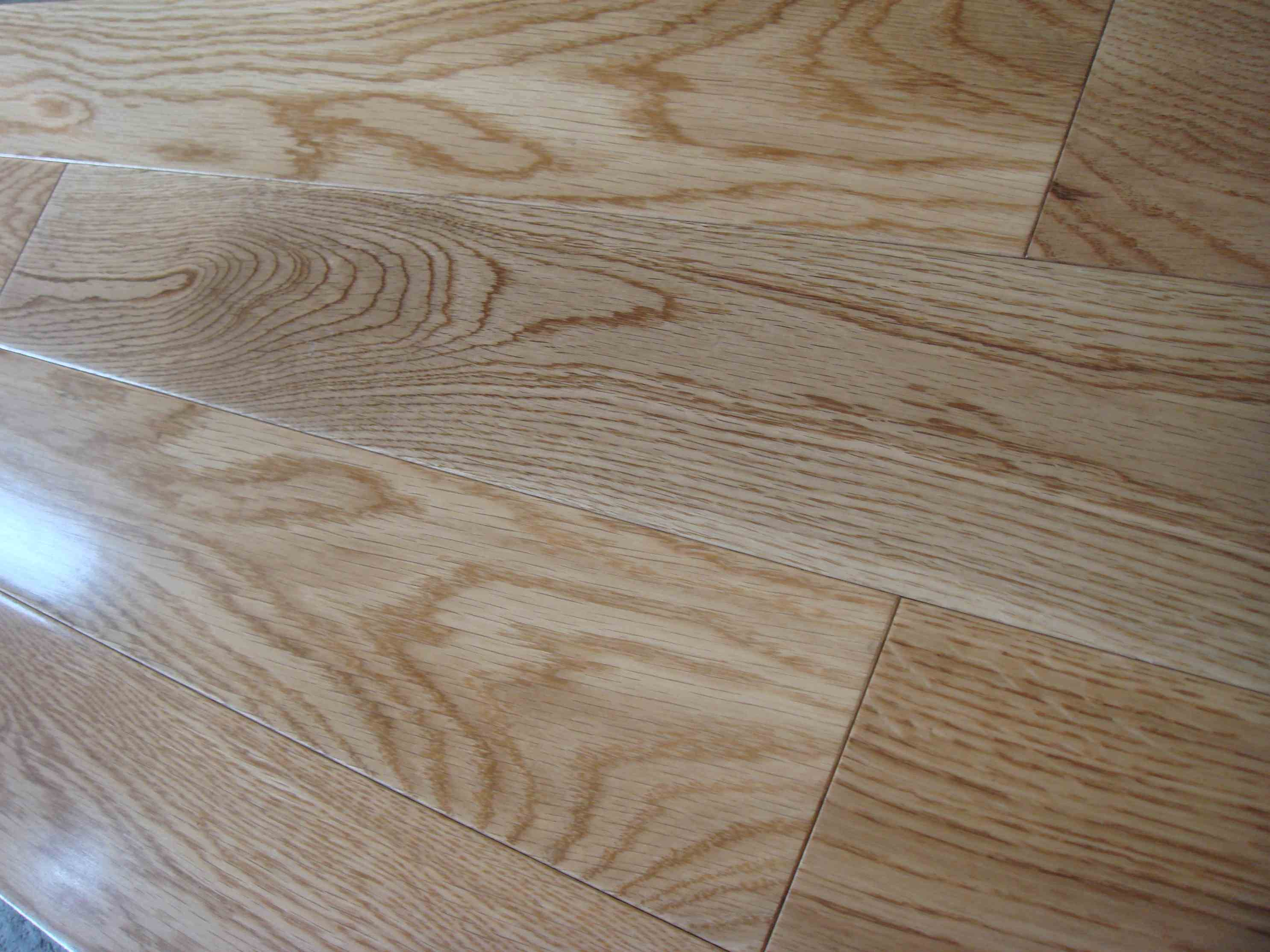 Engineered flooring engineered flooring or solid wood for Real oak hardwood flooring
