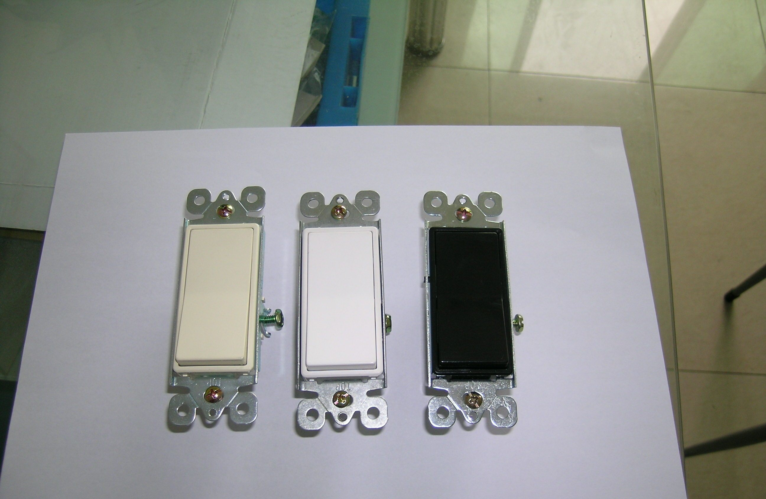 15A 120/277V Decora Rocker 3-Way Switch, Residential Grade, UL/cUL