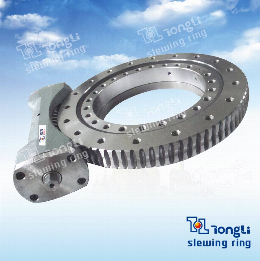 Open/Closed Type Slewing Drive with Worm/Helical Gear