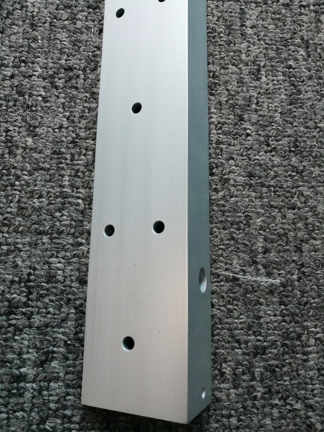 6061t6 Anodised Silver Aluminum L Shaped Angle Profile with CNC