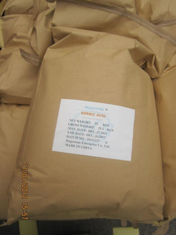 High Quality Food Grade Sorbic Acid (CAS: 110-44-1) (C6H8O2)