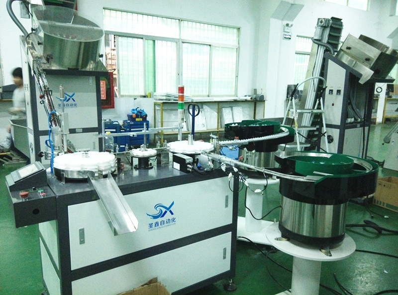 Fully Automatic Caps Assembly Line Machine