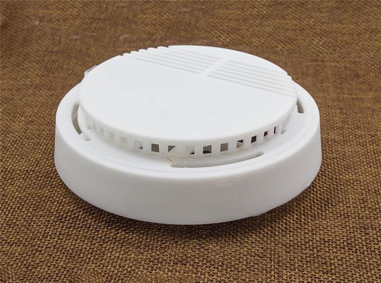 10 Year 12V Lithium Battery Wired Smoke Alarm Sensor