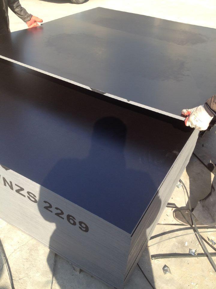 F17 Formply Plywood to Australia Market, Size 1200X2400X17mm, Hardwood Core, Phonelic Glue