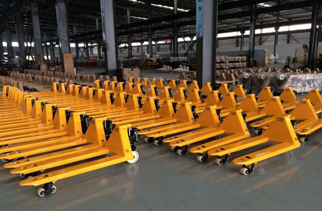 Hot Sale Cbym 2ton Hand Pallet Truck (welded pump)
