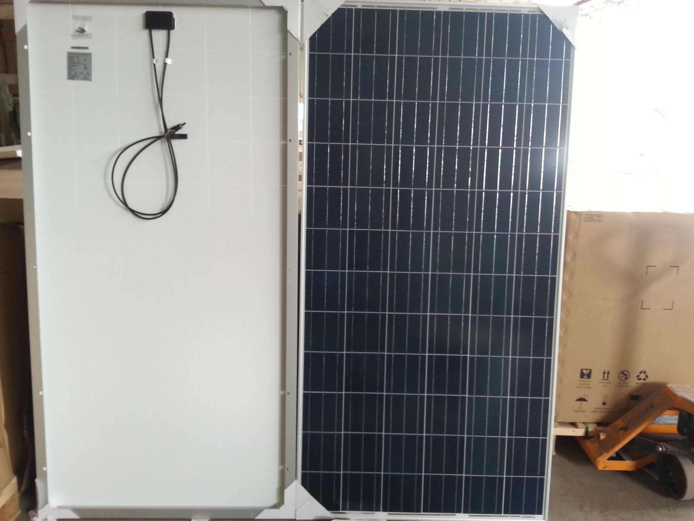 250W Cheap Quality Poly Solar Panel in Stock