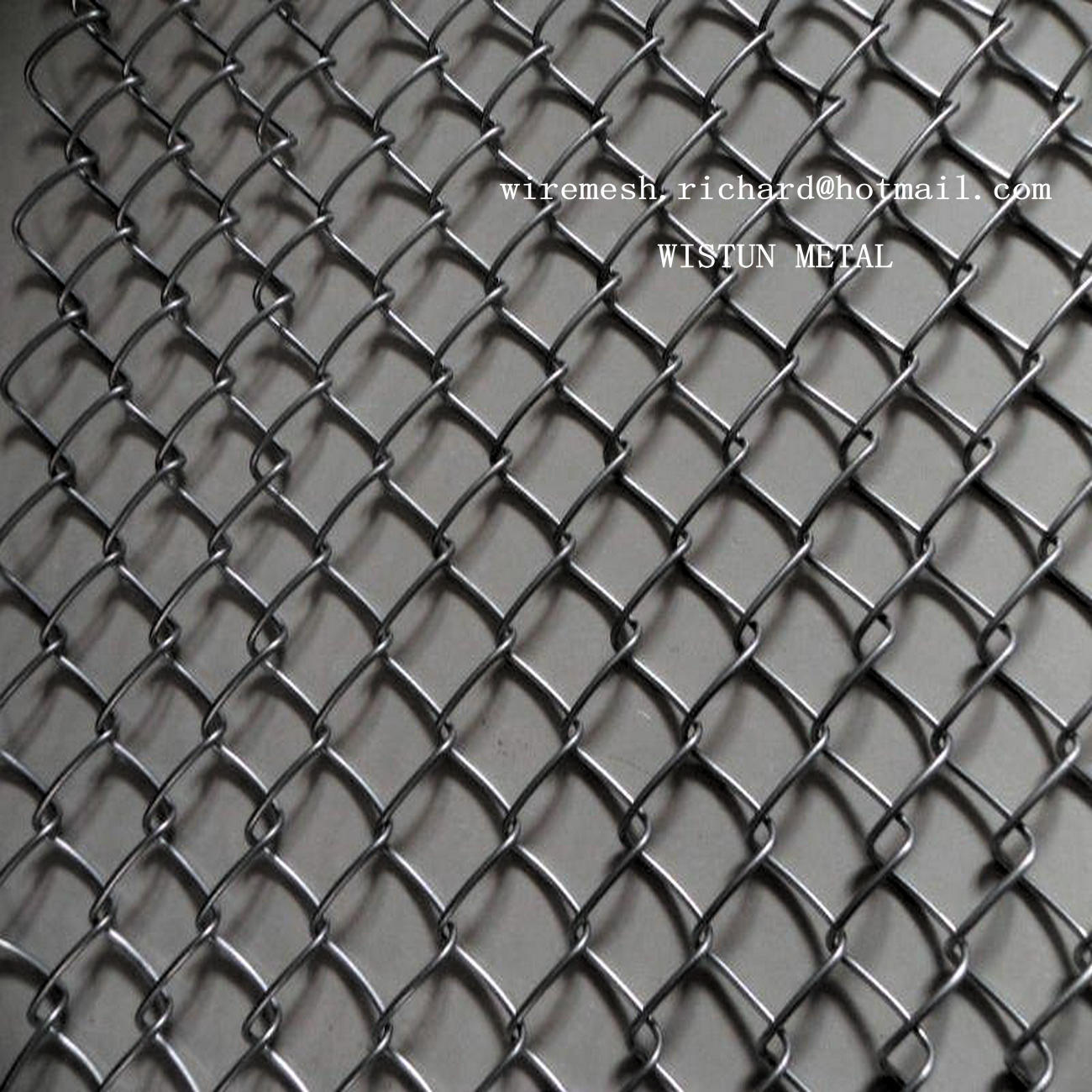 China hot galvanized chain link fence