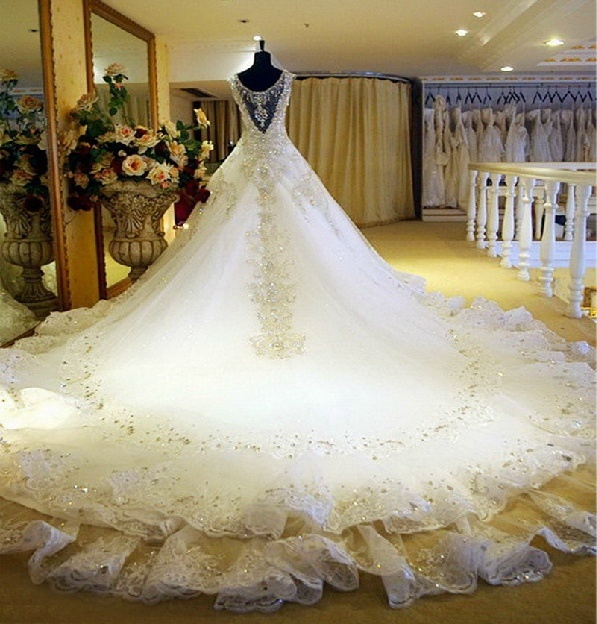 New Wedding Dress Cap Sleeves Rhinestones Crystal Stones Bridal Gowns A-Line Luxury Cathedral Train Lace Wedding Gowns (CS3)
