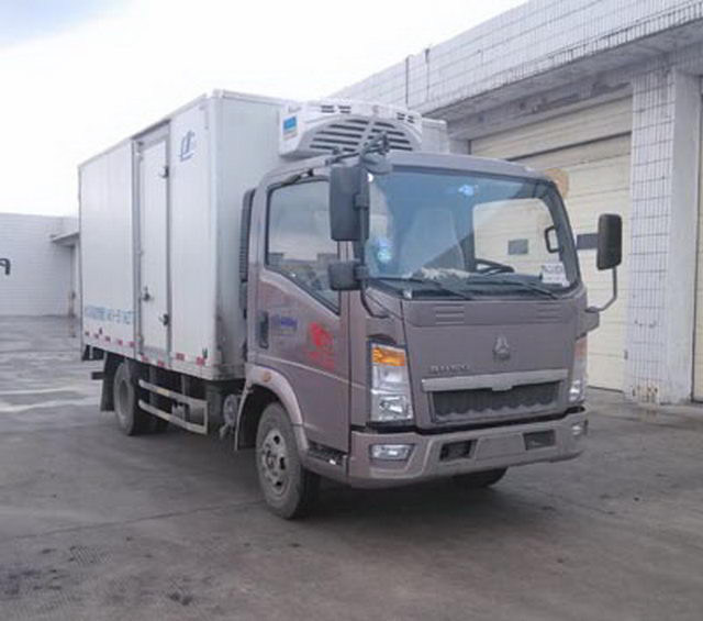 4X2 190HP Refrigerator Truck, Temperature Range Can Be Adjusted