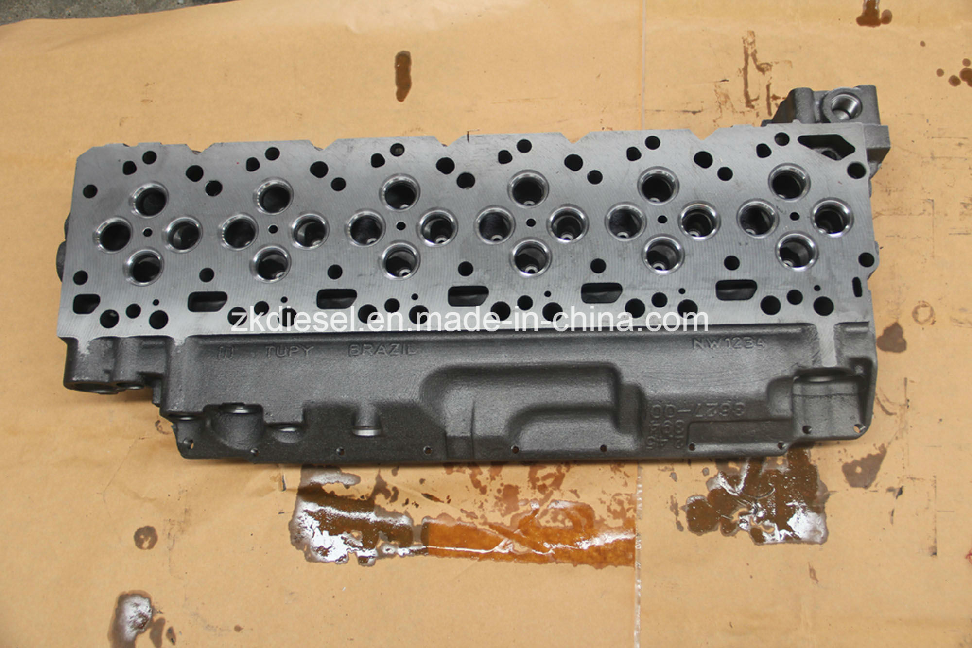 Cummins Spare Parts Isb5.9 Engine Bare Cylinder Head 3943627/3117225/2831279/2831274/3957384/3957385/5282712/3944992