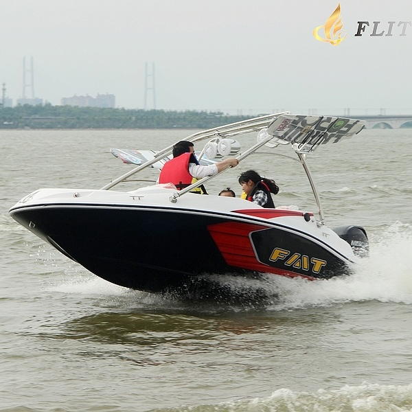 Ce Approved Small Speedboat Sportboat with Outboard Engine