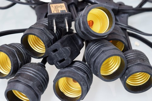 Outdoor Decoration Commercial Base E26 Stringer Light with Sockets and Bulbs (L200.047.00)