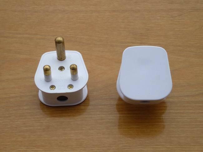 British Standard 15AMP Round Plug