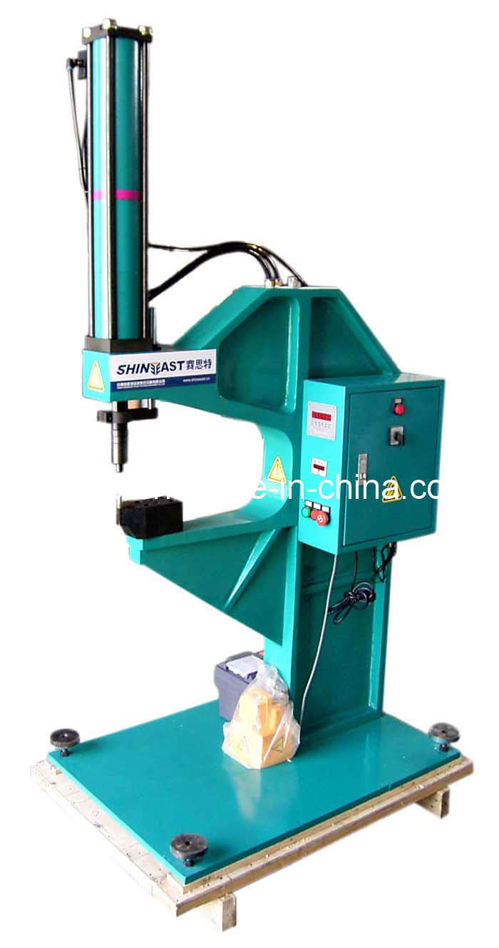 Pneumatic- Hydraulic Clinching Machine for Steel or Galvanized Sheet