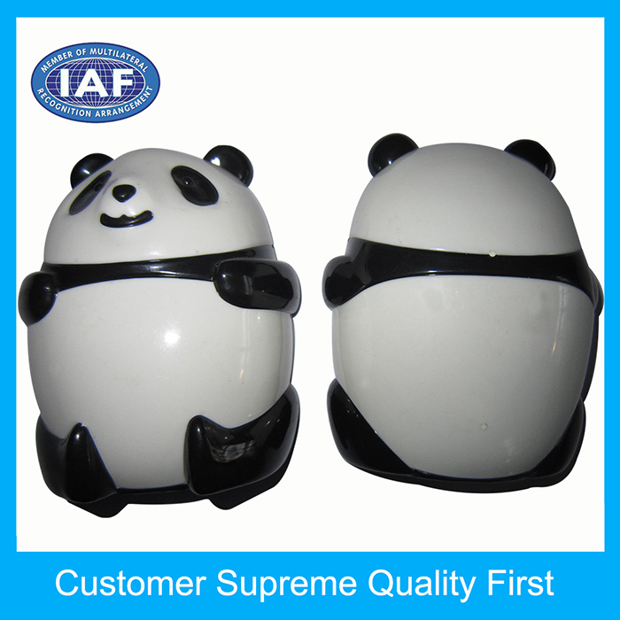 Small Child Panda Shape Plastic Manual Pencil Sharpeners