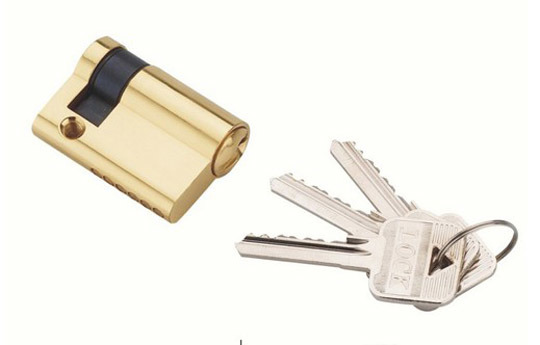how to change a euro cylinder lock