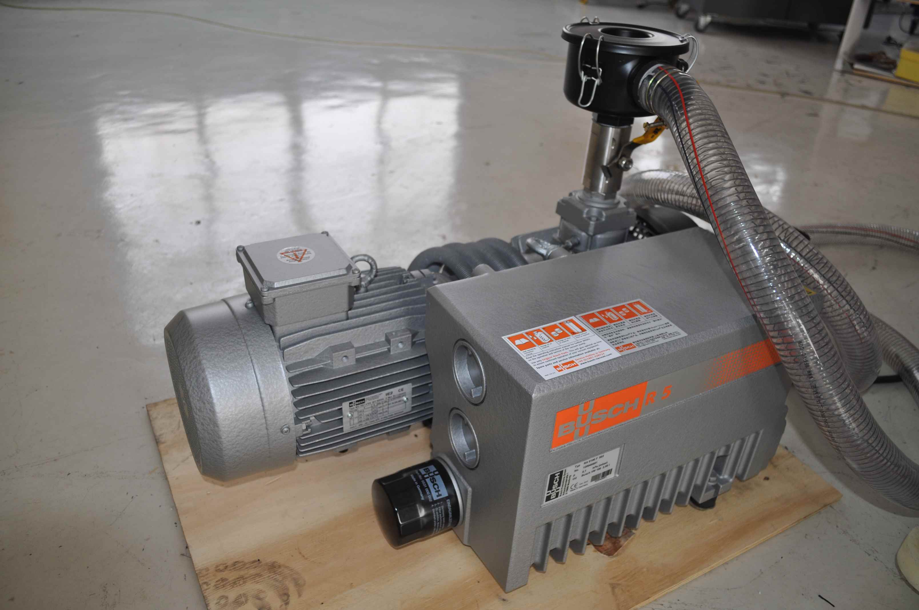 Yupack Zbj1000 High Efficiency Good Quality Vacuum Packing Machine